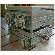 Hot runner injection mold