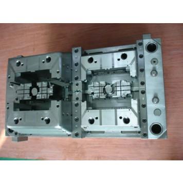 injection mould maker