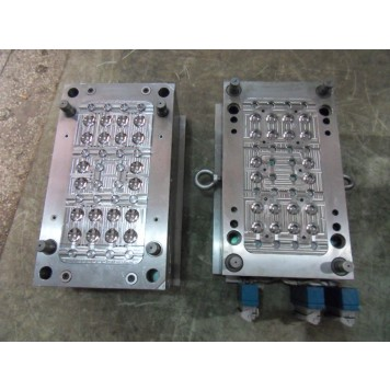 Muti-cavity injection mold